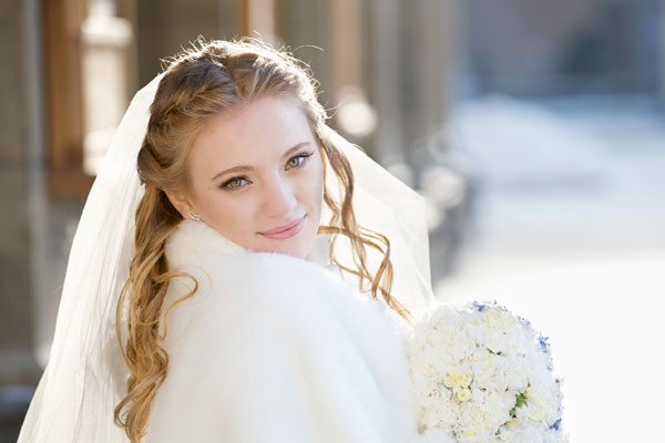 Winter wedding hair and make-up ideas
