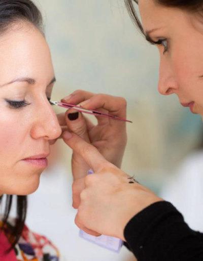 Applying-lashes